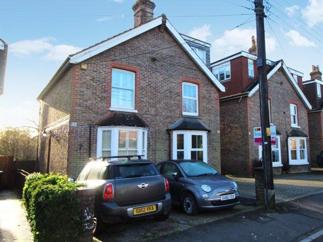 2 Bedroom Property For Sale In College Road Haywards Heath 360 000