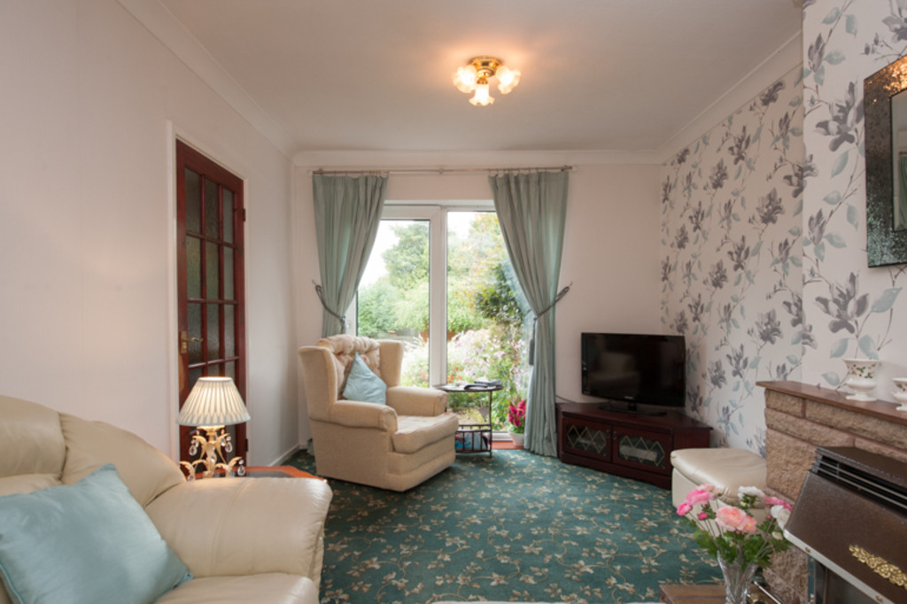 3 Bedroom Property For Sale In Valley Road Great Barr Birmingham B43 5DL