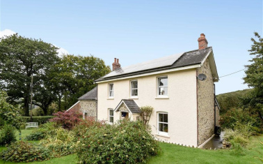 Madford, Hemyock, Cullompton, Devon, EX15 OIEO £650,000 | 3 Bedrooms | 4.34  Acres