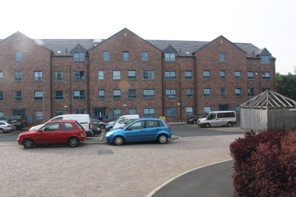 2 Bedrooms Flat for sale in Warrington Street, Stalybridge