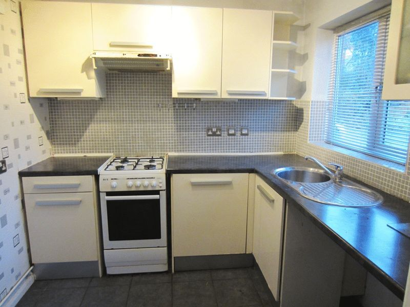 Kitchen Tiles Oldbury 2 bedroom property to let in dingle street, oldbury - £525 pcm