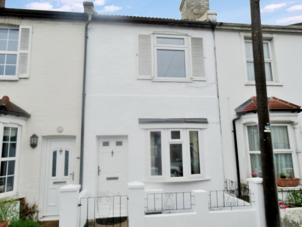 2 bedroom property for sale in Yew Tree Road, Beckenham, BR3 - £395,000