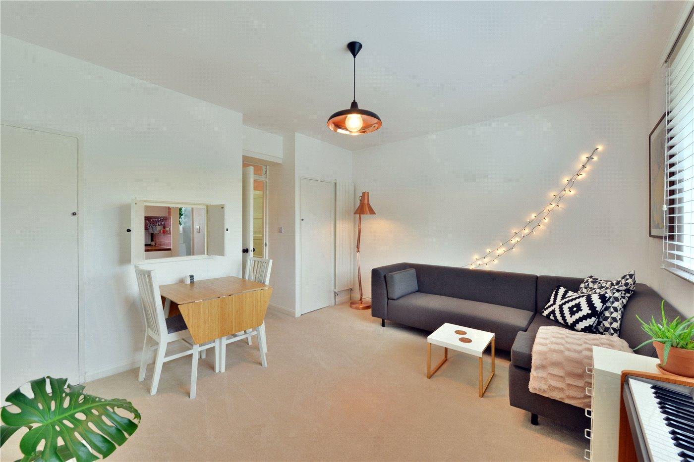 2 bedroom property for sale in Ellen Wilkinson House, Usk Street ...