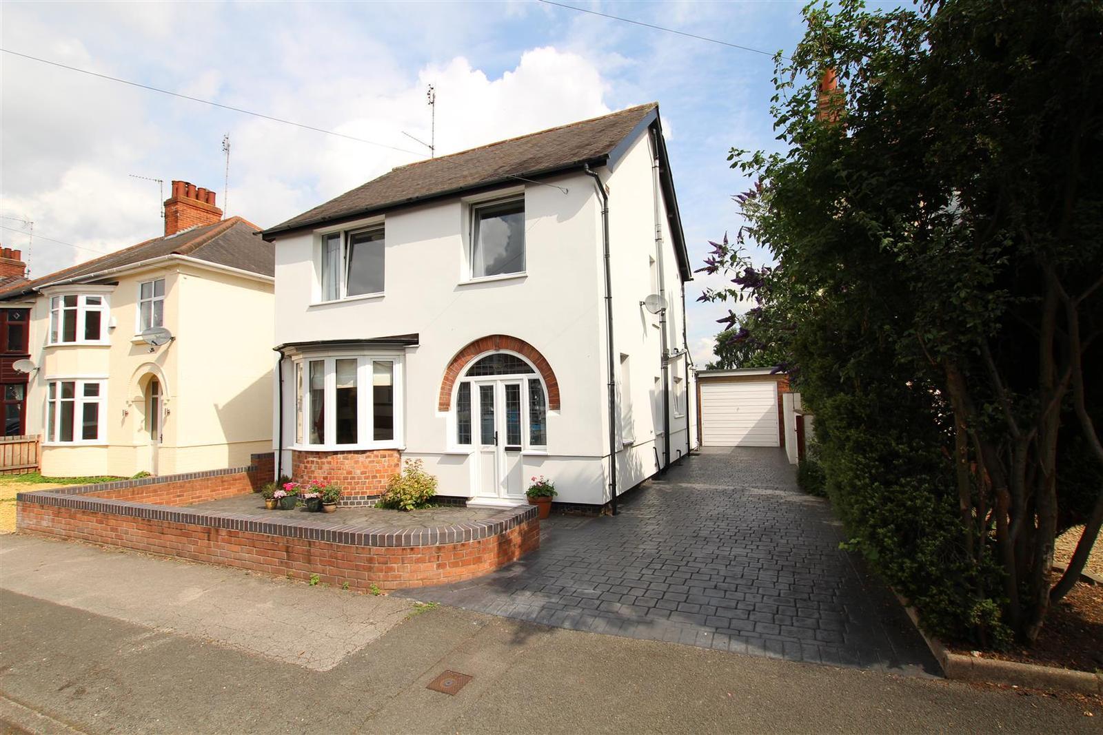 3 Bedrooms Property for sale in Alexandra Road, Burton