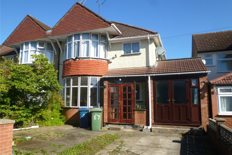 House to rent in Harrow - Manor Way, Harrow, Middlesex, HA2