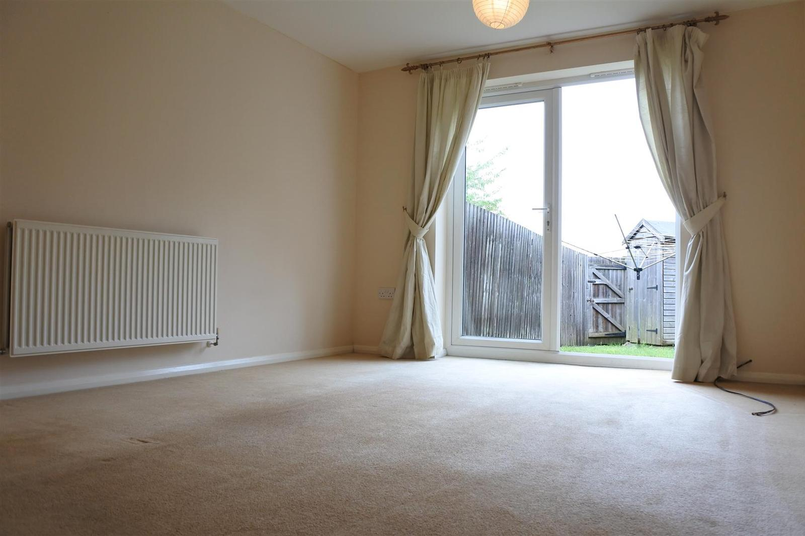 2 Bedrooms Apartment Flat for sale in Hudson Way, Grantham