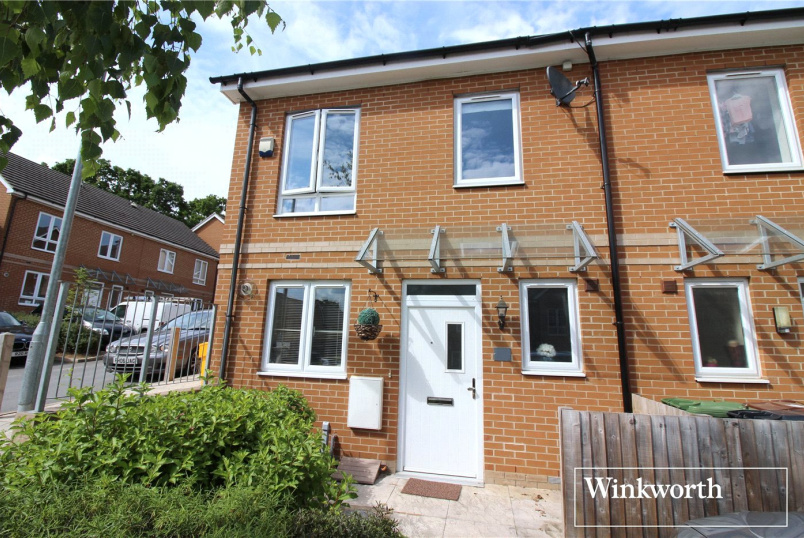 House to let - Korda Close, Borehamwood, Hertfordshire, WD6