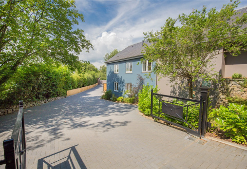 Courtyard House, Riverwood, Staverton Bridge, Dartington, Totnes, TQ9
