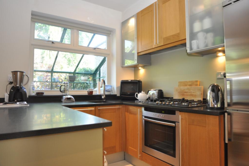 House to rent in Palmers Green - Riverway, London, N13