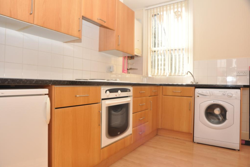Flat/apartment to rent in Palmers Green - Osborne Road, London, N13