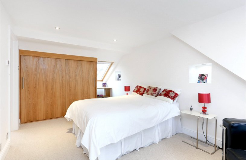 4 Bedroom Property For Sale In Silver Crescent London W4