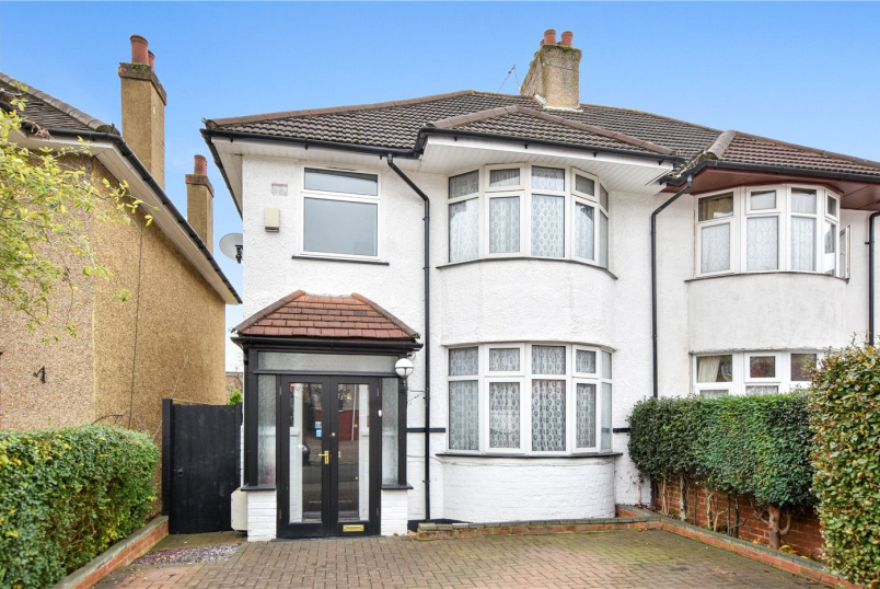 House for sale in Harrow - Whitefriars Drive, Harrow, Middx, HA3