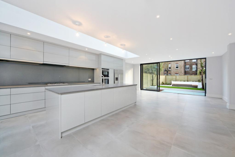 House to let - Cloncurry Street, Bishops Park, SW6