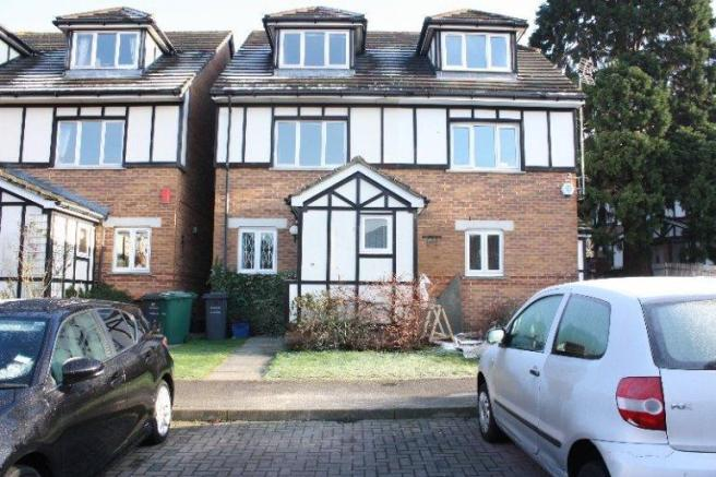 3 Bedroom Property To Rent In Heton Gardens Hendon Nw4 450 Pw