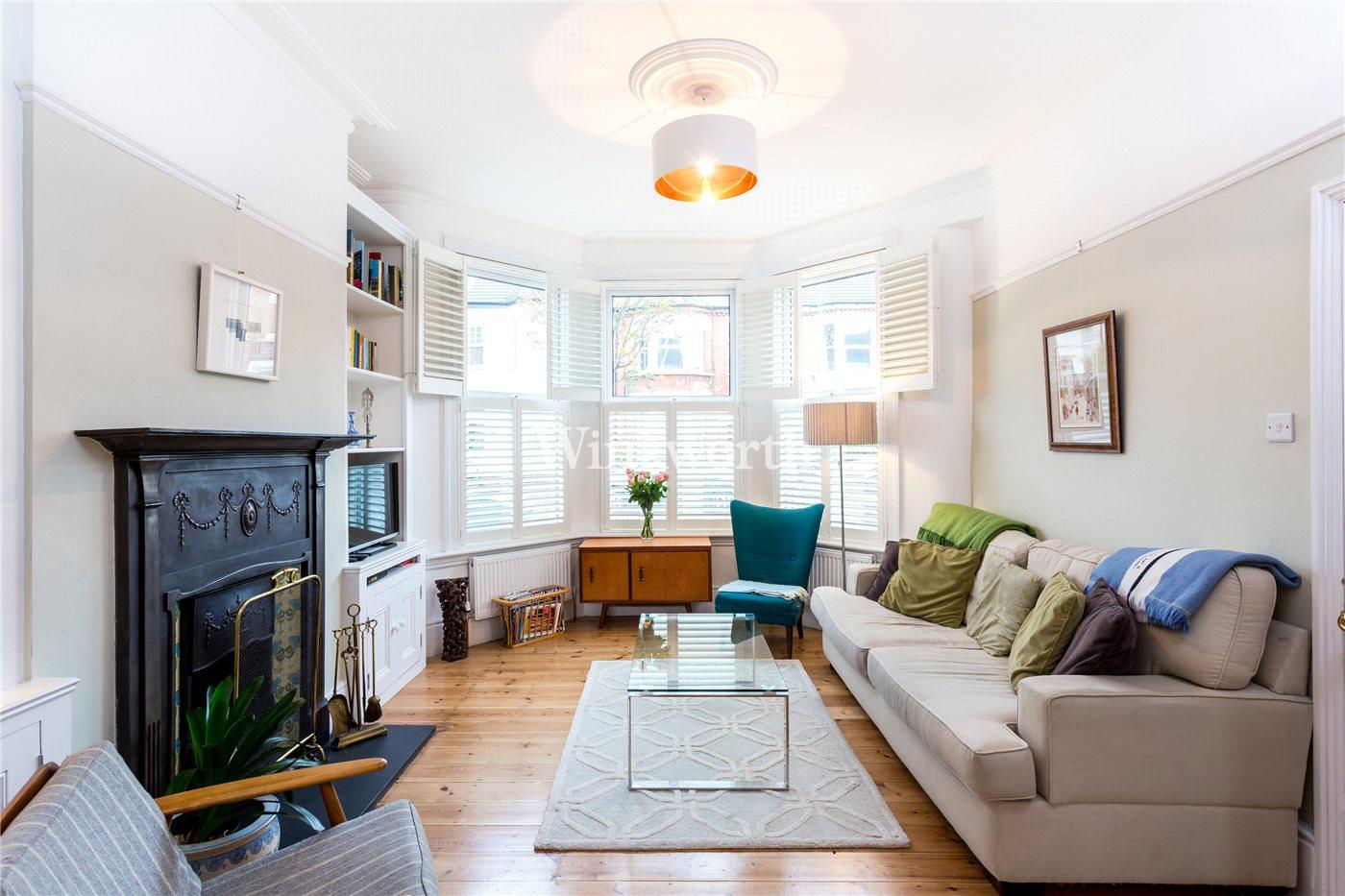 3 bedroom property to rent in Kitchener Road, London, N17 - £2100 pcm