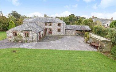 Eastacombe Farm Yard Barnstaple Devon EX31 OIEO £795000 | 4 bedrooms | 5.0 acres & Properties for sale in Yelland Devon