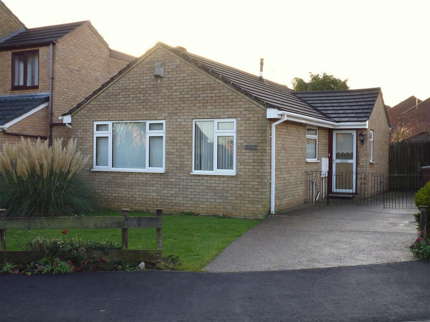2 Bedrooms Property for sale in Atwater Grove, Lincoln
