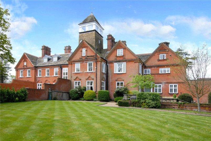 Flat/apartment to rent in Worcester Park - Ranmore Place, Ranmore Common, Dorking, RH5