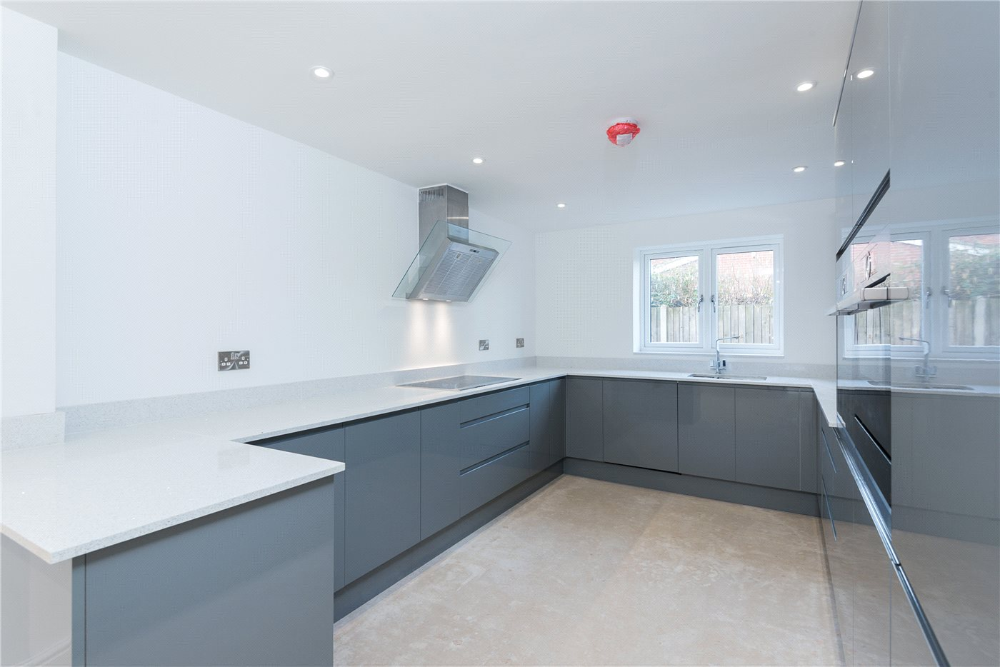 3 bedroom property for sale in Poringland Road, Stoke Holy Cross ...