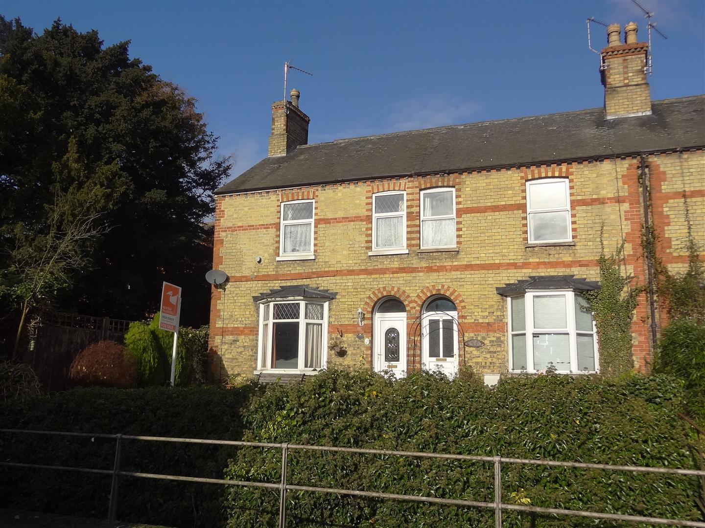 3 Bedrooms Terraced House for sale in West Banks, Sleaford