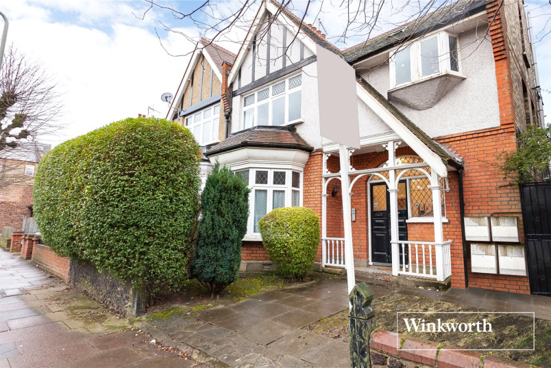 Flat/apartment for sale in Finchley - Woodside Grove, North Finchley, N12