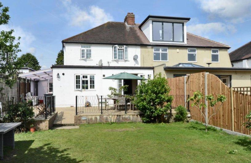 4 Bedroom Property For Sale In Edenfield Gardens