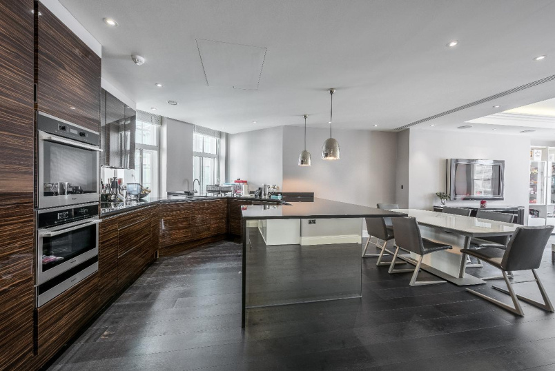 House - terraced for sale in Pimlico and Westminster - ECCLESTON STREET, SW1W