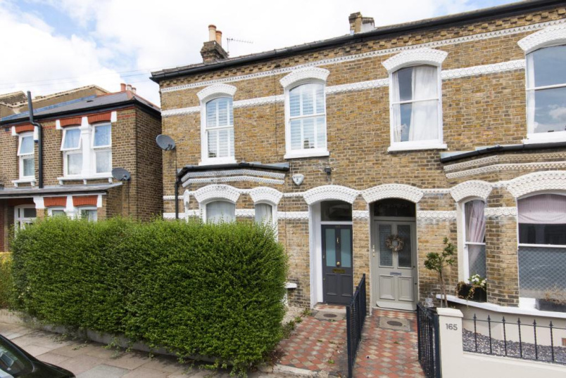 House to rent in Tooting - Trevelyan Road, London, SW17