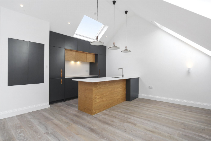 Flat/apartment for sale - Granville Gardens, London, W5