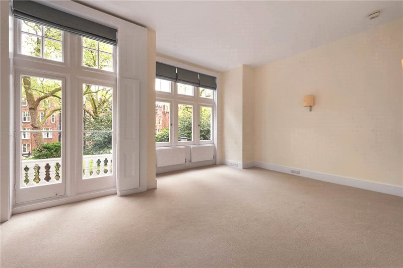 Maisonette to rent in South Kensington - Evelyn Gardens, South Kensington, SW7