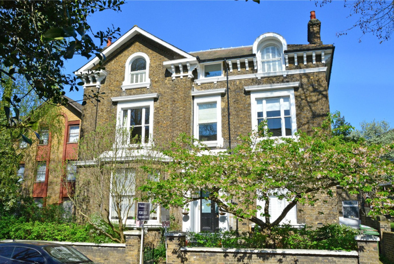Flat/apartment for sale - Walerand Road, Lewisham, SE13
