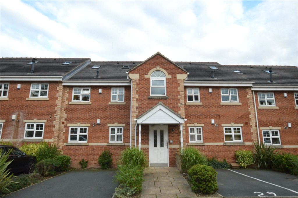 apartment for sale in Pudsey, exterior of apartment building