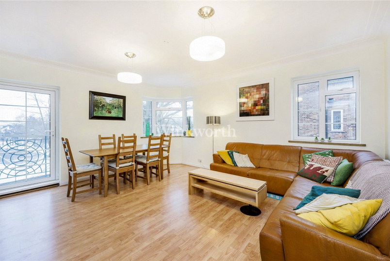 Flat/apartment for sale in Hendon - Pembroke Hall, Mulberry Close, London, NW4