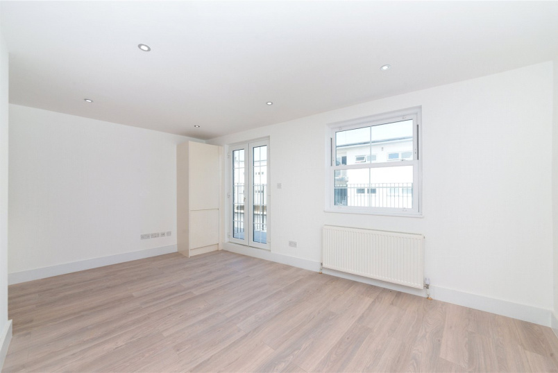 Flat/apartment to let - New Cross Road, London, SE14