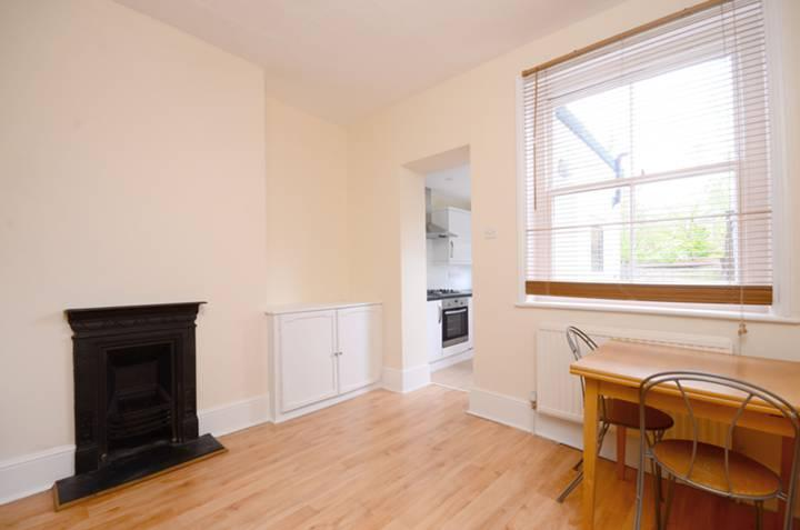Flat/apartment to let - Moring Road, London, SW17