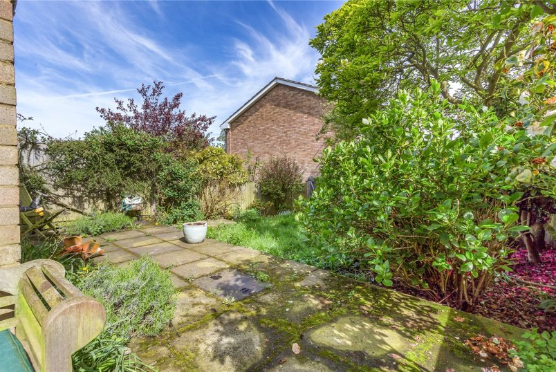 House for sale in Crystal Palace - Hamlyn Gardens, London, SE19