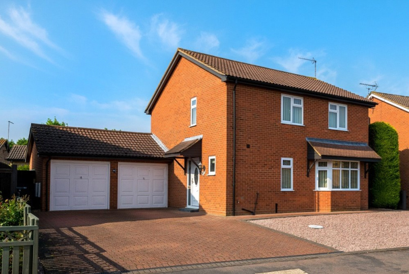 House new instruction - Hawthorn Road, Bourne, PE10