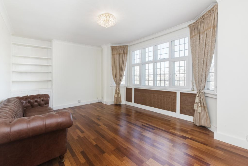 Flat/apartment to let - Crompton Court, Brompton Road, London, SW3