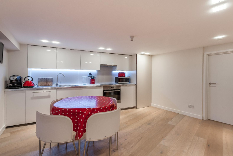 Apartment to let - DORSET ROAD, SW8