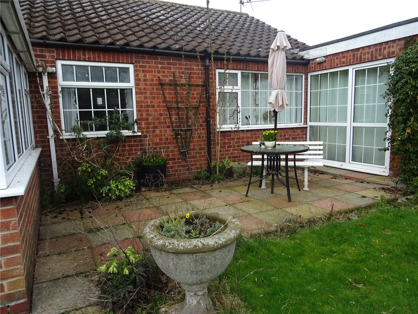 3 bedroom property for sale in Lunn Lane, Collingham, Newark, NG23 ...