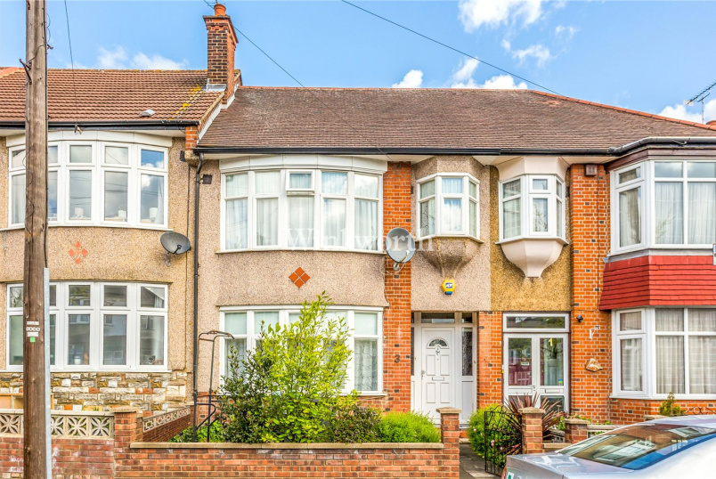 House for sale - Pendennis Road, London, N17