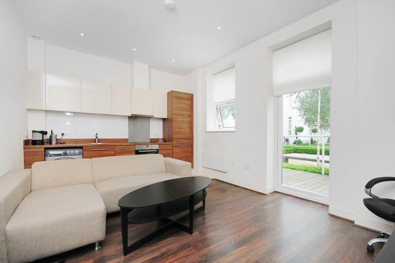 Flat/apartment for sale in Shepherds Bush & Acton - Bromyard House, Bromyard Avenue, London, W3