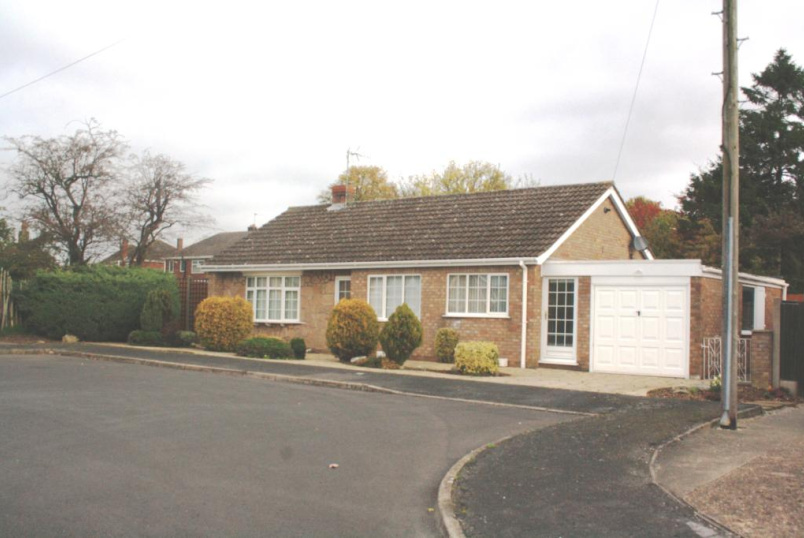 Bungalow to let - Conway Drive, North Hykeham, Lincoln, LN6
