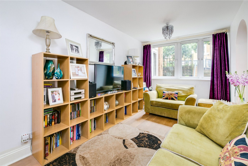 Flat/apartment for sale - Walham Green Court, London, SW6