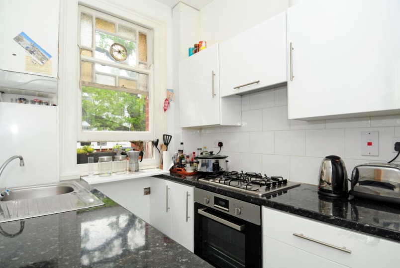 Flat/apartment to let - Ennismore Avenue, London, W4