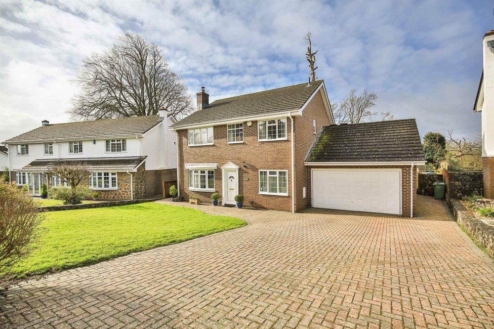 4 bedroom property for sale in village farm bonvilston - Living room letting agency cardiff ...