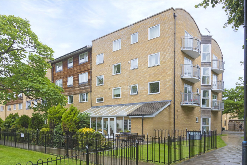 Flat/apartment for sale in Tooting - Doulton Place, Macmillan Way, London, SW17