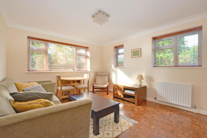 Flat/apartment to let - Westcombe Park Road, Blackheath, SE3
