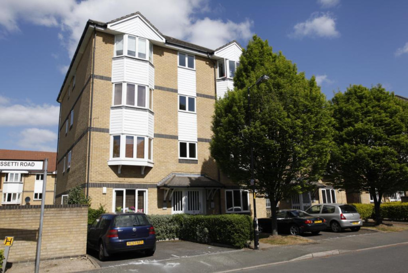 Flat/apartment to let - Rossetti Road, London, SE16