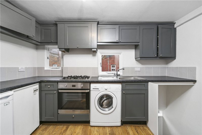 Maisonette to let - Willow Vale, London, W12